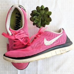 ef1d291f31b9a Women s Nike Free 4.0 Running Shoes on Poshmark